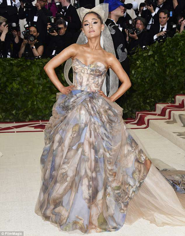 Ariana Grande paying tribute at Met Gala