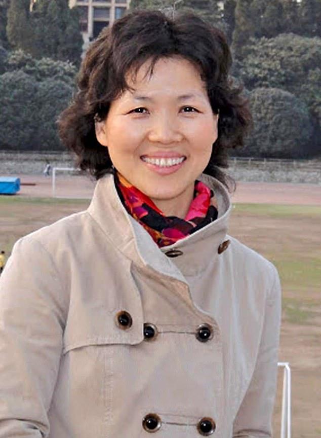 Shi Zhengli is known as China's 'Bat Woman'  viral-a.com